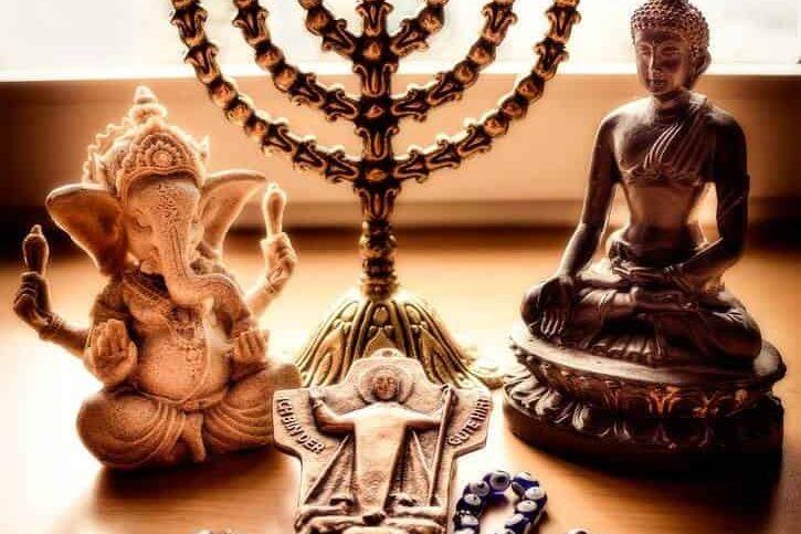 Чем отличаются религии